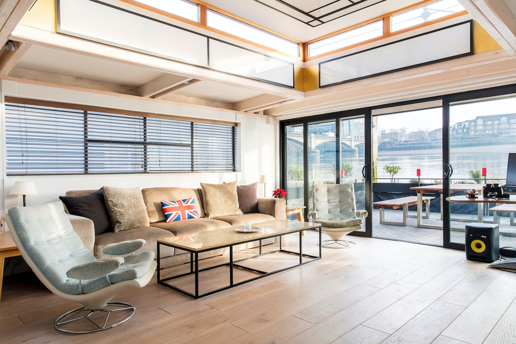 The Victory Houseboat In Chelsea Is One Of Best Airbnb Properties London