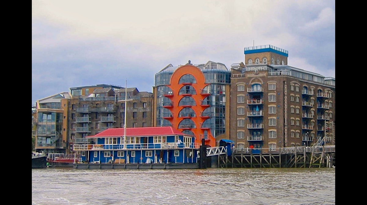 The harpy houseboat tower bridge london the plum guide view floor plan malvernweather Image collections